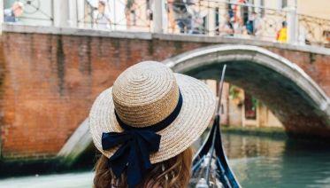 Cobblestones & Canals