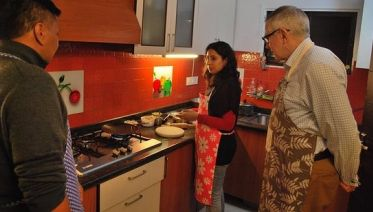 Cooking Tour with a Local Delhi Family