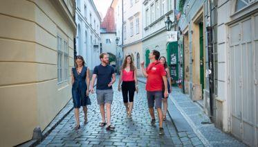Crowd-Free Prague: Early Morning Sightseeing Tour
