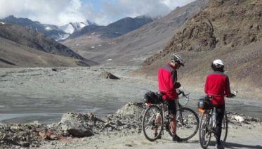 Cycle Manali to Leh with Kate Leeming