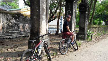 Cycle up Nhu Y River