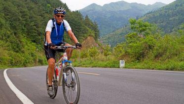 Cycling Guilin's Karst Peaks