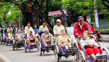Cyclo Experience and Hue Royal Tour