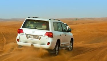 Desert safari Dubai - 4*4 Sharing