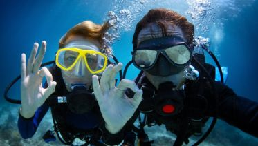 Discover Scuba Diving in Dubai