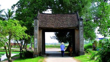 Duong Lam Ancient Village Full Day Tour