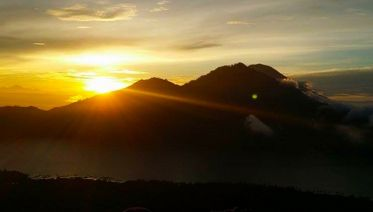 Exotic Sunrise Hike of Mount Batur