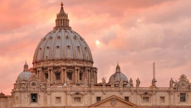 Experience the Vatican small group tour