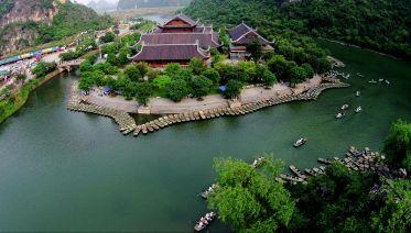 Explore The Center Of Buddhism: Bai Dinh Pagoda