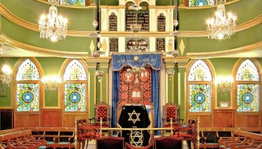 Explore The Stunning Jewish District Of Istanbul