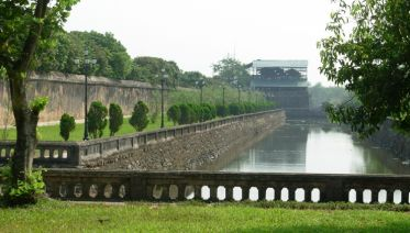 Family Discover Vietnam and Angkor Wat Extension