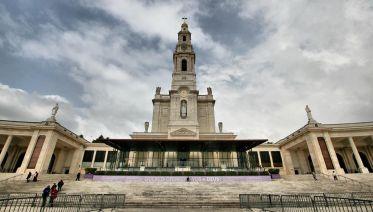 Fatima, Alcobaca, Batalha & Obidos Private Tour