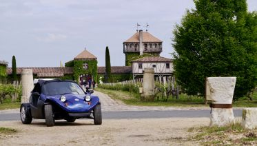 Four days wine tour in a convertible buggy from Bordeaux