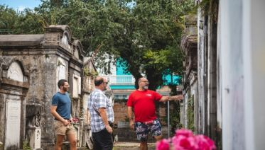 From Garden District to French Quarter Food Tour