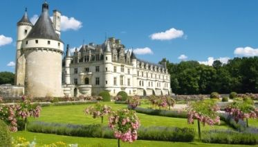From The Châteaux Of Chambord And Chenonceau To The Loire Valley