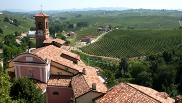 Headwater - Gastronomic Barolo Self-Guided Walk