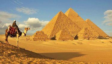 Giza Pyramids, Sakkara & Memphis Day Tour
