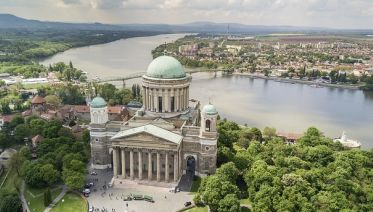 Gödöllő And Domonyvölgy Tour From Budapest