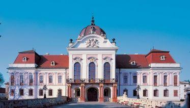 Gödöllő, Domonyvölgy and Szentendre Tour from Budapest