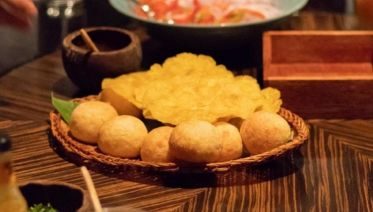 Gourmet Food Tour in Lima by night