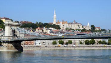 Grand City Tour With Parliament Visit
