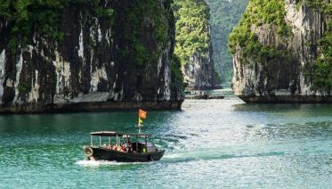 Ha Long Bay Discovery & Kayaking Tour