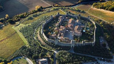 Half-Day Guided Hike to Monteriggioni from Siena