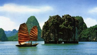 Hanoi – Halong – Ninh Binh 5 Days Tour