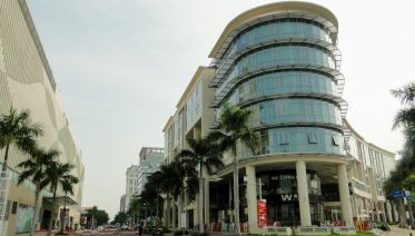 Ho Chi Minh City Tour - Discovering The Modern City