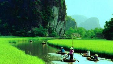 Hoa Lu - Tam Coc Tour In Ninh Binh