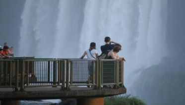 Iguazu Falls Private Day Trip from Buenos Aires with Airfare - Brazil & Bird Park