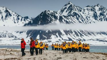 Intro to Spitsbergen: Fjords, Glaciers and Wildlife of Svalbard