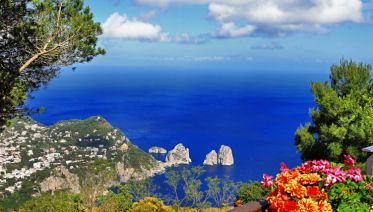 Island Hopping in the Bay of Naples