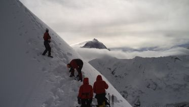 Island Peak Climb from Chhukung (Group Tour)