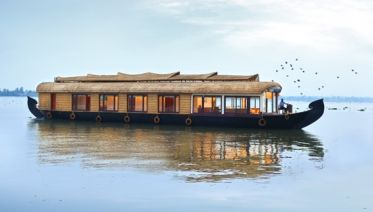 Kerala Backwater for  Solo Travellers.