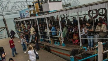 Kolkata To Kochi By Rail