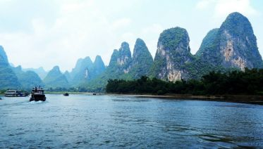 Li River Cruise to Yangshuo Coach Tour