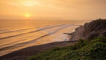 Lima Day Tour: Miraflores by Bike (half day)