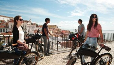 Lisbon & Peniche Surf Experience 8D/7N