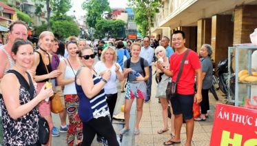 Lonely Planet Experiences Private Hanoi Tour: Street Food By Night