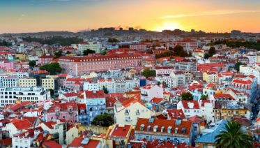 Lonely Planet Experiences Private Lisbon Tour: Sunset Fado & Dinner