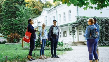 Lonely Planet Experiences Private Moscow Tour: Yasnaya Polyana Tolstoy Estate plus Tula Sightseeing Full Day Adventure from Moscow