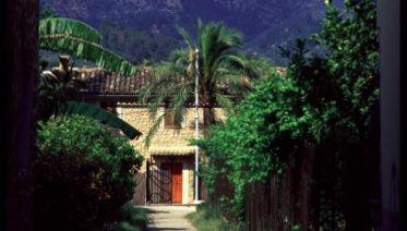 Majorca: Sierras And Monasteries