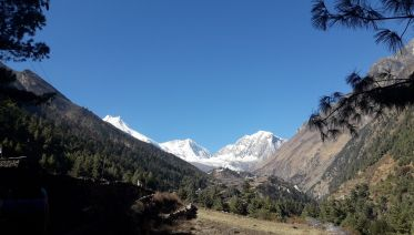 Manaslu Circuit Trek 14 Days