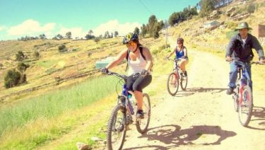 Mountain Bike Tour around Lake Titicaca in Puno