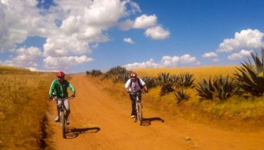 Mountain Biking to Maras & Moray