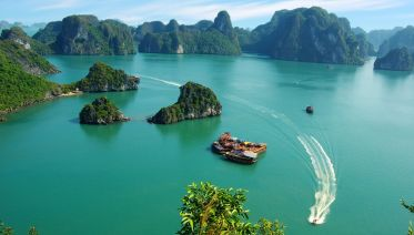 One Day's Cruise In Halong Bay