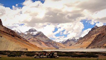 Parang La Trek with Chandertal: Manali to Spiti to Ladakh