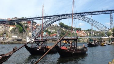 Porto the North Capital - Private Tour up to 8 person