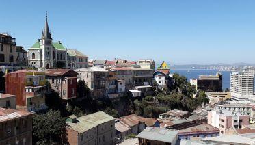 Private Full-Day: Valparaiso, Vina del Mar & Winery